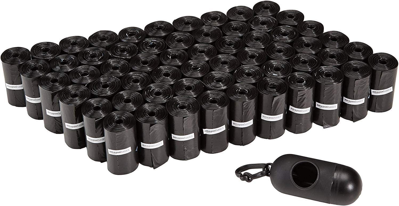 AmazonBasics - Sacchetti per bisogni dei cani, con dispenser e clip per guinzaglio, confezione da 900