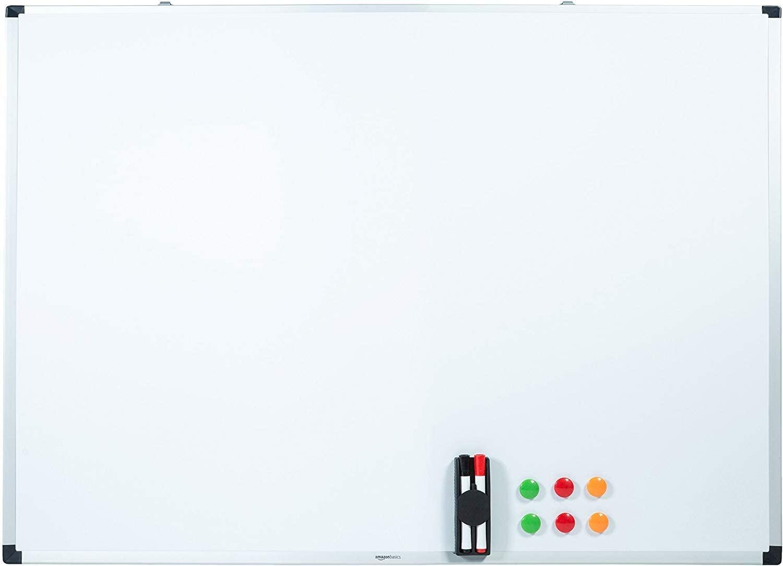 AmazonBasics - Lavagna bianca, cancellabile a secco, con supporto porta-pennarelli e bordi in alluminio, 120 cm x 90 cm